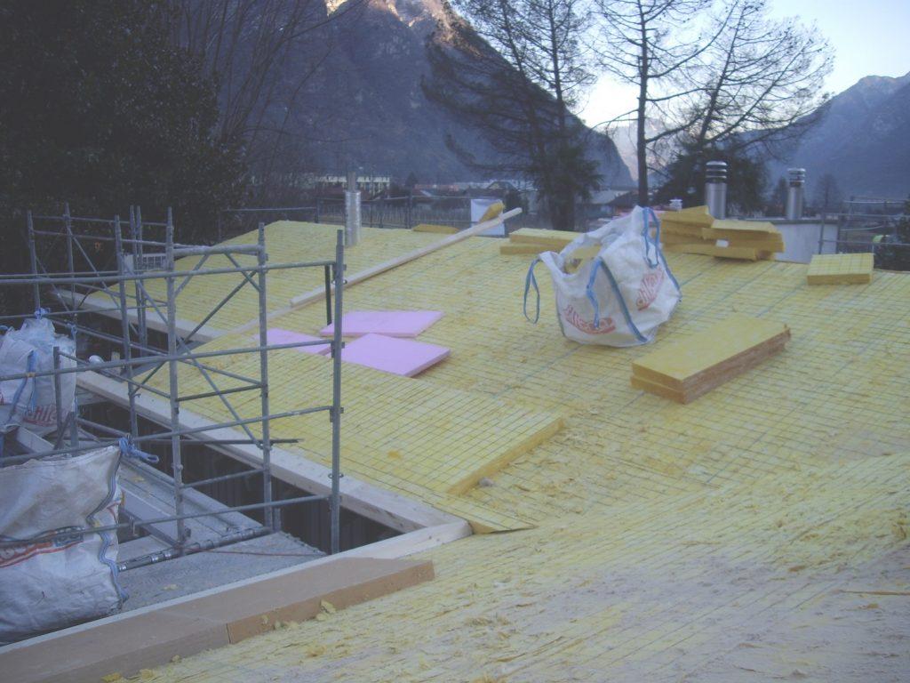 Risanamento e copertura tetti a spiovente - isolamento | RISI Carpenteria SA - Ticino