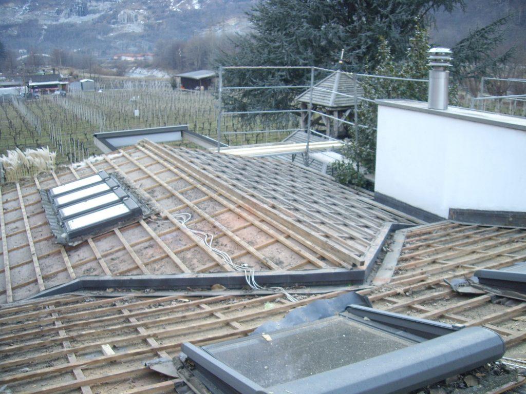 risanamento e copertura tetti a spiovente - prima | RISI Carpenteria SA - Ticino