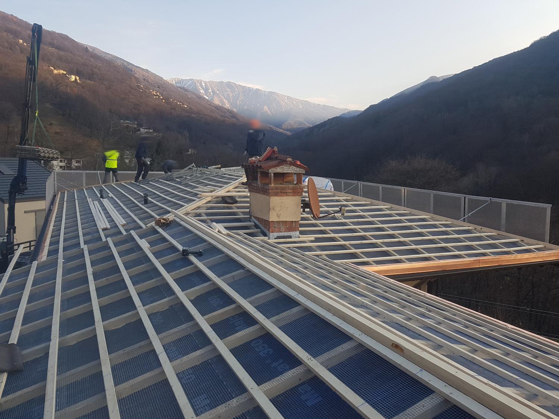 Copertura tetti - tetto ventilato - tetto coibentato - rifacimento tetto   Risi Carpenteria SA