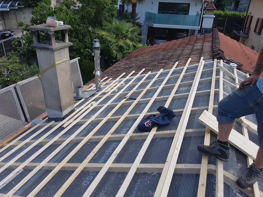 Inserimento rete anti-nocivi e anti roditori per il tetto a Lugano e Bellinzona
