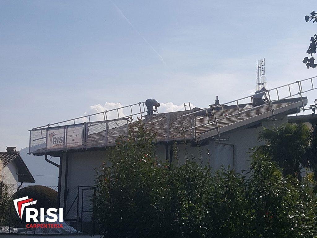 tetto in fase di risanamento