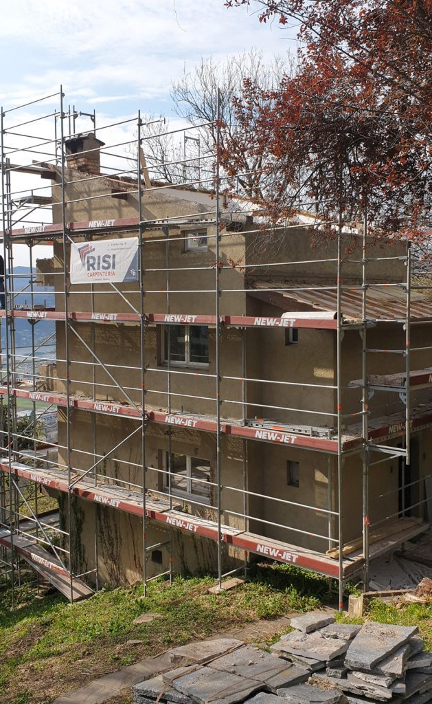 durante Rifacimento tetto di uno stabile a Cademario